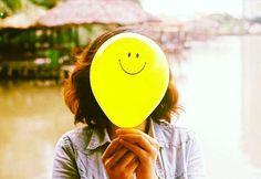 الصديق الحقيقي هو من قدّم لك النصيحة المخلصة، ولا يخشى في الحق لومة لائم، وأرشدك إلى الصواب. ❣  #quote #quotes #realfriends #truefriends #life #love #heart #soul #lessons #advice #lifechoices #lifedecisions #world #travel #explore #photo #photography #girl #colors #yellow #balloons #shorthair #instagram #thoughts http://tipsrazzi.com/ipost/1520267564273288492/?code=BUZE0uEDsUs