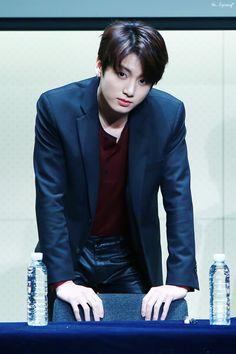 Jungkook (Jeon Jung-kook) BTS / Bangtan Sonyeondan / Bangtan Boys (정국(전정국) 방탄소년단)