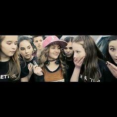 Youtubers, Celebs, Crown, Fashion, Celebrities, Corona, Moda, La Mode, Fasion