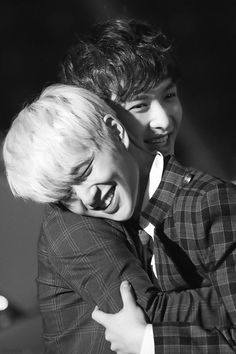 onew and lay ~ ❤ #exo #shinee