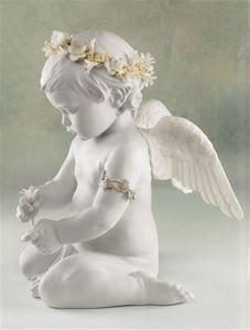 Lladro Figurines Cherub Of Love 01008535