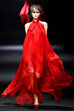 ~ John Galliano Fall 2012 Ready-to-Wear ~ a lady in red, no need to whisper as you have already gotten everyones' attention my dear Red Fashion, Runway Fashion, High Fashion, Fashion Show, Fashion Design, John Galliano, Fashion Week Paris, Style Haute Couture, Razzle Dazzle