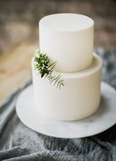 Clean and simple minimalist wedding cake.