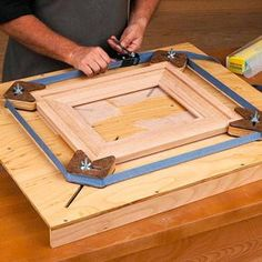 Clever and easy to make picture framing jig....also for canvas frames?
