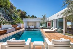 Orlando bloom's beverly hills house for sale before wedding to katy Backyard Pool Landscaping, Backyard Pool Designs, Swimming Pools Backyard, Swimming Pool Designs, Lap Pools, Indoor Pools, Pool Decks, Pool Spa, Moderne Pools