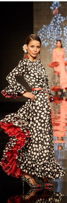 Spanish style – Mediterranean Home Decor Flamenco Costume, Flamenco Dancers, Flamenco Dresses, Dots Fashion, Only Fashion, Spanish Dress, Spanish Style, Spanish Fashion, Designer Gowns