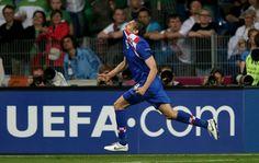 Nikica Jelavic celebrates