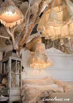 Cute lamps and ideas for making old and plain/boring lampshades look cute and magical! Using old fabrics with lace is my favorite way, but it could be done with any color of fabric and lace! For magical lighting <3