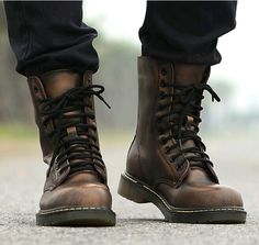 Retro Punk Mens Combat Military Rock Motorcycle Ankle Boots Lace Up Oxford Shoes – Men's style, accessories, mens fashion trends 2020 Motorcycle Boots Outfit, Leather Motorcycle Boots, Leather Boots, Military Combat Boots, Retro Motorcycle, Military Army, Style Converse, Converse Outfits, Desert Boots