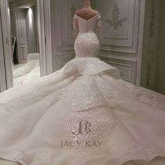 A breathtaking wedding dress made for our Qatari bride. Princess Wedding Dresses, Dream Wedding Dresses, Bridal Dresses, Bridesmaid Dresses, Beautiful Wedding Gowns, Perfect Wedding Dress, Beautiful Dresses, Dubai Wedding Dress, Wedding Attire