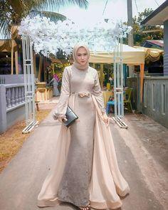 Dazzling #kondanganOOTD By @ayuklubis . . Recommended to follow: 👉 @kebayamagazine 👉 @weddingootd