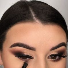 Classy Makeup, Fancy Makeup, Casual Makeup, Makeup Goals, Makeup Inspo, Makeup Inspiration, Makeup Tips, Smokey Eye Makeup, Skin Makeup