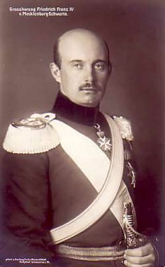 Frédéric-François IV de Mecklenburg-Schwerin (1882-1945). Marée le 7 juin 1904 avec la princesse Alexandra de Hanovre (1882-1963)