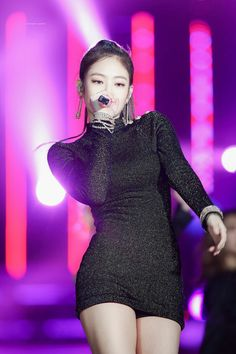 180110 JENNIE performing at the 32nd Golden Disk Awards