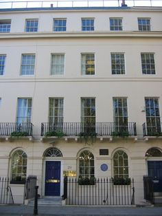 Virginia Woolf lived at № 29 Fitzroy Square, Bloomsbury George Bernard, Bernard Shaw, Virginia Wolf, Concord, Bloomsbury Group, London House, Aunts, London Calling, Best Cities