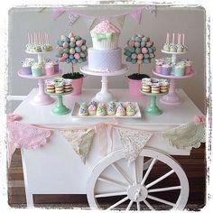 Repost from @munarrizannie: preciosa mesa de dulces en forma de carreta  #mesadedulces #mesadepostres #delicate #candybar #sweetsbuffet #desserttable #garland #wagon #nice #delicious #partyidea #partystyling #partydecor