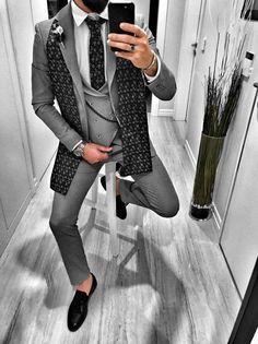Farbe:Schwarz Model:176 cm / 67 kg / Größe 31 Material:67% Polyester 27%Viskose 6% Elasthan Pflegeanweisung: Links waschen, separat waschen, Mas… Prom Suit Outfits, Blazer Outfits Men, Blazer Dress, Chic Outfits, Indian Men Fashion, Mens Fashion Wear, Wedding Dress Men, Wedding Suits, Dress Suits For Men