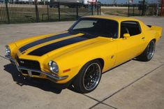 Custom Muscle Cars, Chevy Muscle Cars, Custom Cars, 1972 Camaro, Chevrolet Camaro 1970, Yellow Camaro, Transformers Cars, Classic Camaro, Fancy Cars