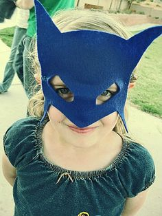 A lovely batman mask to inspire me in making a 'Mega Mindy' mask for my daughter.