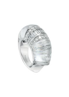Boucheron Hotel de la Lumière Cascade de Diamants ring in white gold set with rock crystal and white diamonds.