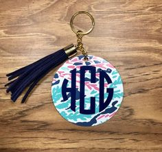 Acrylic keychain with tassel, keychain with tassel, personalized keyring, purse accessories, acrylic Keychain Ideas, Diy Keychain, Monogram Keychain, Tassel Keychain, Circle Key, Acrylic Keychains, Cricut Creations, Easy Gifts, Atkins