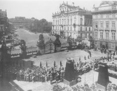 Heydrich's funeral in Prague, We Will Never Forget, Catholic Priest, The Third Reich, Paratrooper, Pictures Of People, World War Two, Czech Republic, Prague, Budapest