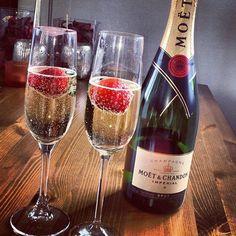 Romantic Room, Romantic Dates, Romantic Dinners, Romantic Things, Moet Chandon, Strawberry Champagne, Wines, Liquor, Alcoholic Drinks