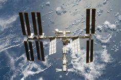 Misterio y Ciencia Hoy: Como duermen, se lavan la cabeza o se cortan las uñas los astronautas en la ISS?