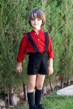 Camisa niño en algodón-viscosa roja, cuello mao, manga larga.