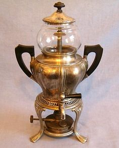 Vintage Antique Sternau Coffee Machine Percolator Urn Silverplate with Spigot I Love Coffee, My Coffee, Best Coffee, Coffee Maker, Cheap Coffee, Coffee Shops, Coffee Beans, Coffee Mugs, Coffee Making Machine