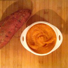 Patate toute douce et carotte au lait infantile, recette du soir dès 8 mois par céline. Peler, rincer, couper en petits dés 150 de patate douce, 50.g de carottes et mettre 15 min au cuit vapeur, mixer avec 80 ml de lait infantile, une c.café de crème.