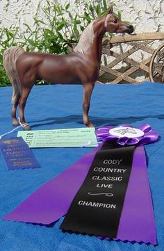 Prize-winning porcelain horses, get our free newsletter with deals, digs & exclusives--Lakeshore Collection model horses!  http://www.lakeshorecollection.com/gallery.html