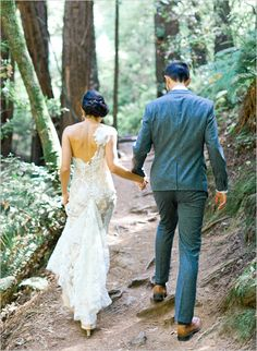 lace wedding gown by Ulla-Maija Couture http://www.weddingchicks.com/2013/08/29/the-lyford-house/