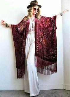 FB from Maenad/vamp & wolf board Gypsy Style, Bohemian Style, Boho Chic, My Style, Colorful Outfits, Cute Outfits, Look Kimono, Kimono Jacket, Boho Fashion