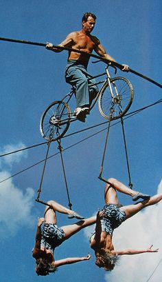 cirque bike acrobat circus act Old Circus, Circus Acts, Night Circus, Vintage Circus, Berlin Paris, Art Du Cirque, 1950s Men, Circo Vintage, Circus Performers