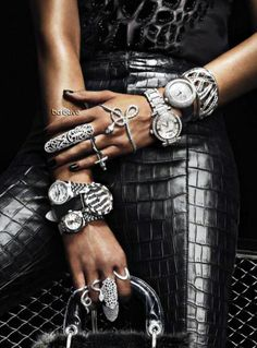 black embossed crocodile pants and great black bag from Lady Dior, arm candy bling. Leather And Lace, Black Leather, Leather Pants, Leather Outfits, Fashion Moda, Fashion Week, Womens Fashion, Fashion Photo, High Fashion