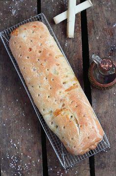 Délices d'Orient: Stromboli au saumon et poivron grillé