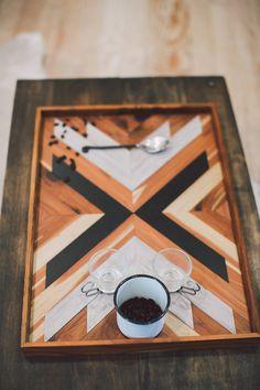 Bandeja de desayuno de madera flecha de por IfYouGiveAGirlASaw