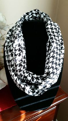 Black and White Houndstooth Infinity Scarf, Infinity Scarf, Infinity Scarves, Scarves, Circle Scarf, Circle Scarves, Neck Wear, Outer Wear by SittisHands on Etsy