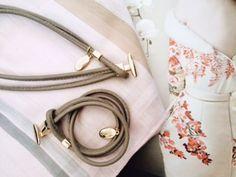 Bijoux Luxetto Bracelets, Headphones, Photos, Jewelry, Fashion, Wine Gift Sets, Man Women, Pendant, Boucle D'oreille