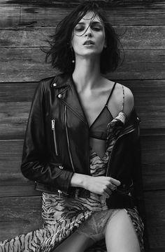 Photography: Silja Magg Styled by: Christine De Lassus Hair: Hanjee Makeup: Paco Blancas Model: Ros Georgiou