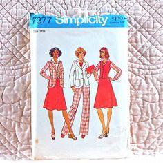 7377 SIMPLICITY Uncut PATTERN 1976 Women Back Zipper Skirt Pants Unlined Princess Seamed Jacket Notched Collar V-Neck Vest Size 18 4-oz