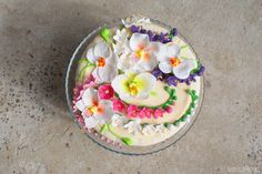 Sekrety Cookietki: Tort ze storczykami i frezjami