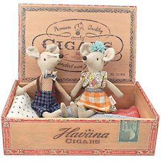 Get ready to playwith these sweet mice in their vintage inspired box! The Danish brand Maileg is a lifestyle design companywith a modern concept established i