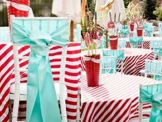 Great centerpieces; giant lollipops, pinwheels and streamers.