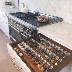 Kitchen Pantry Design, Kitchen Organization Pantry, Diy Kitchen Storage, Kitchen Drawers, Modern Kitchen Design, Home Decor Kitchen, Interior Design Kitchen, Kitchen Furniture, Home Kitchens