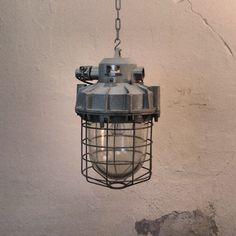 Bully lamp No.8 | Lamp. | Twindustrial 250,-