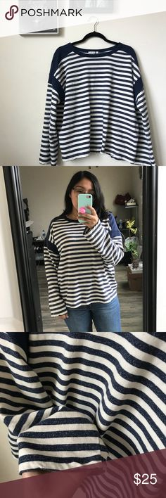 NWOT Zara Oversize Striped Sweater Zara Oversize Striped Sweater This sweater is so cute! I love the fit. It is suppose to be a oversize fit size is a small. NWOT. Is apart the 2017/18 winter line Zara Sweaters Crew & Scoop Necks