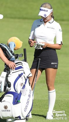 강명호ㅣ한편, 유현주는… : 네이트뉴스 Girl Golf Outfit, Cute Golf Outfit, Girl Outfits, Girls Golf, Ladies Golf, Women Golf, Cool Tights, Lpga Tour, Sexy Golf