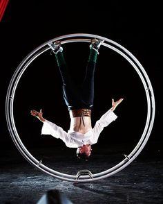 "Gefällt 66 Mal, 3 Kommentare - Alexander Müller (@wheel_alex) auf Instagram: ""Coming soon: Circus Younak  #gymwheel #germanwheel #rhoenrad #circus #theatre #acrobatics #dance…"""